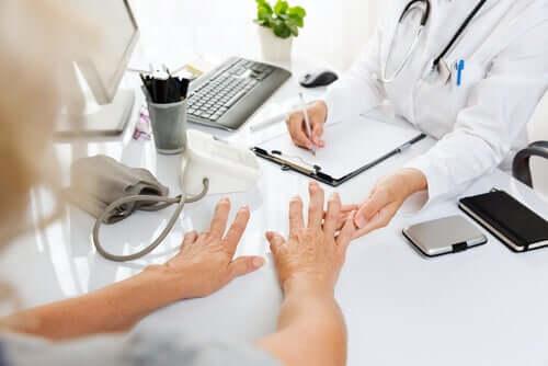 Häufige Fragen rund um das Thema Arthritis