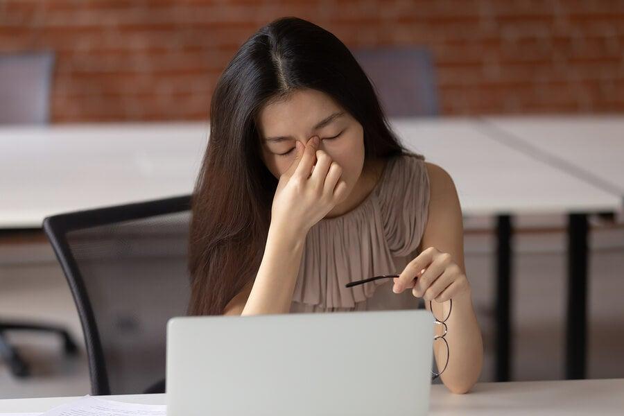 Wie wirkt sich die Bildschirmnutzung auf die Augengesundheit aus?