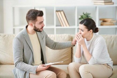 Posttraumatische Belastungsstörung: Symptome, Ursachen, Behandlung