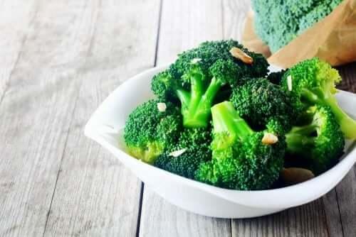 Brokkoli enthält viel Folsäure