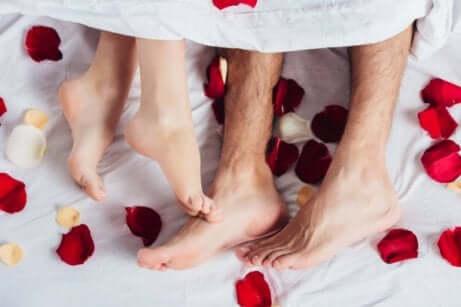 Eine unvergessliche Hochzeitsnacht vorbereiten