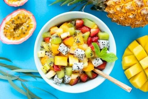 Salate mit Obst und Kräutern: 6 Rezepte