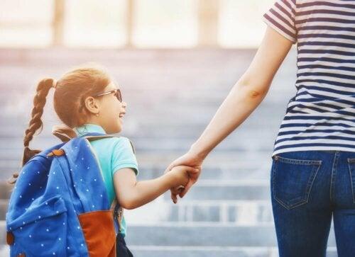 Schulwechsel: Wie kann ich meinem Kind helfen?