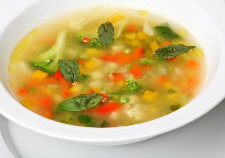 4 vegetarische Suppen für die ganze Familie