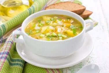 vegetarische Suppen