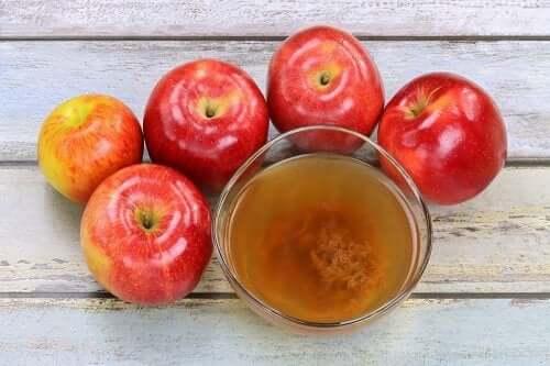 Apfelessig gegen unschöne Pickel