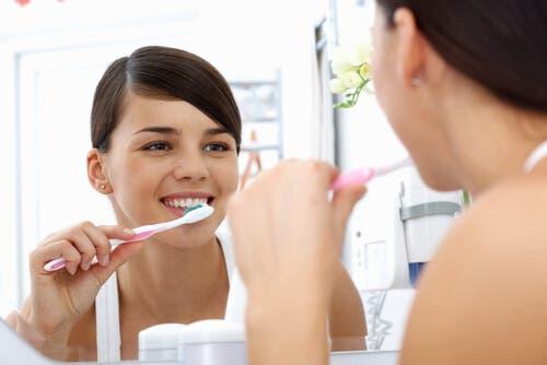 Bakterien im Mund: Mundhygiene ist wichtig!