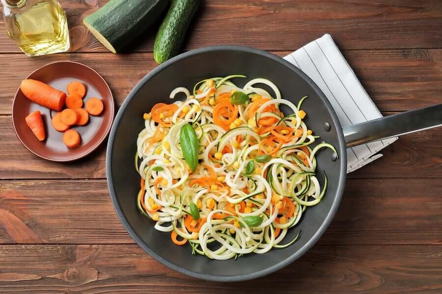 Spaghetti mit Zucchini und Karotten: Einfaches und leckeres Rezept!