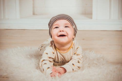 Zähneputzen schon beim Baby