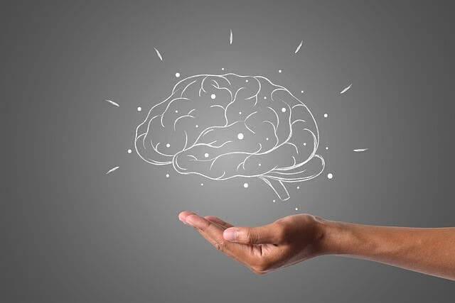 Gehirntumor: Arten, Ursachen, Symptome und Behandlung