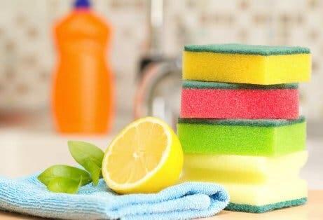 Chemische Reinigungsmittel: Alternativen, die deine Gesundheit und die Umwelt schonen