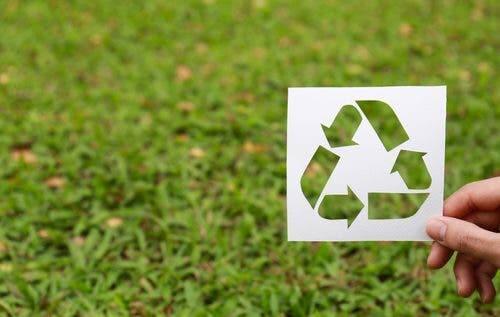 Wiederverwertbare Dinge zum Schutz der Umwelt