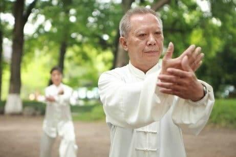 Therapien zur Linderung von Fibromyalgie-Symptomen: Tai Chi