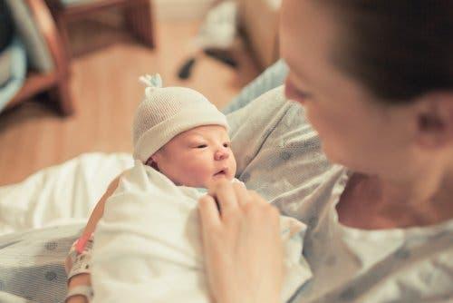 Was du vor während des Wartens auf dein Baby organisieren und kaufen solltest