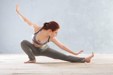 Natürliche Therapien zur Linderung der Symptome von Fibromyalgie: Yoga