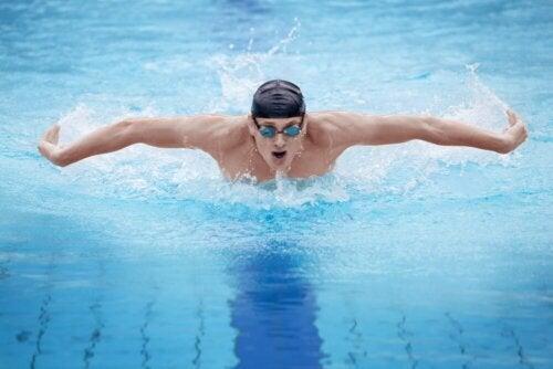Schwimmen ist für Bluthochdruckpatienten ausgezeichnet