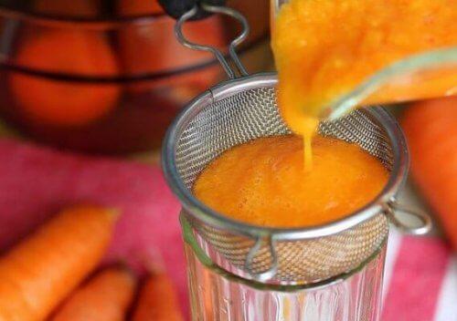 Karottensirup: So kannst du ihn zubereiten!
