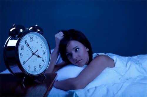 Entspannendes Mittel mit Lavendel gegen Schlaflosigkeit