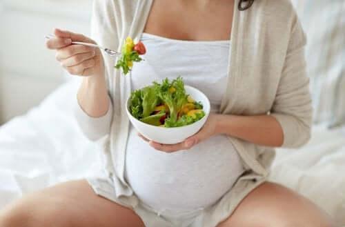 Braxton-Hicks-Kontraktionen können Bauchschmerzen in der Schwangerschaft auslösen