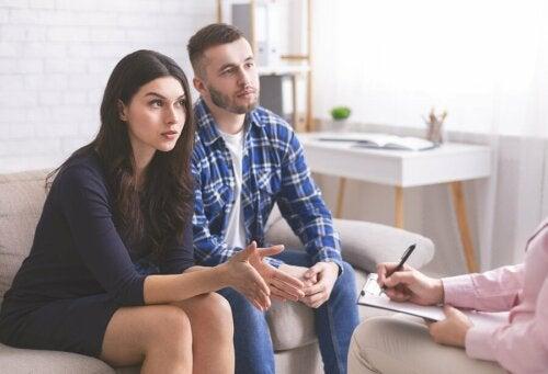 Gespräche sind die Grundlage, um Beziehungsprobleme zu vermeiden oder zu lösen