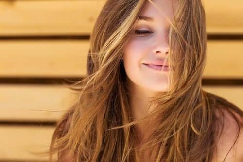 Wasser auf nüchternen Magen - schöne Haare