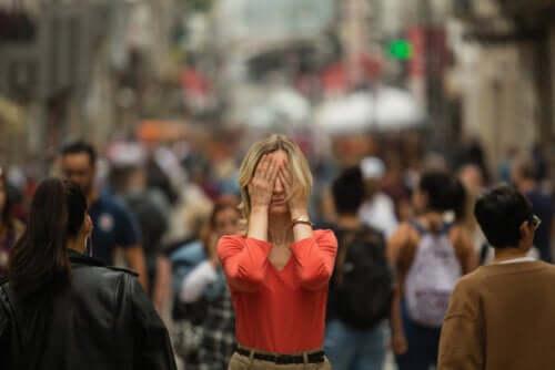 Angst vor der Außenwelt: Symptome der Agoraphobie