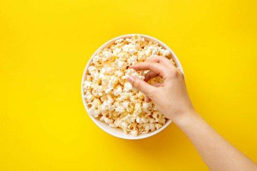Mythos oder Wahrheit: Macht Popcorn dick?