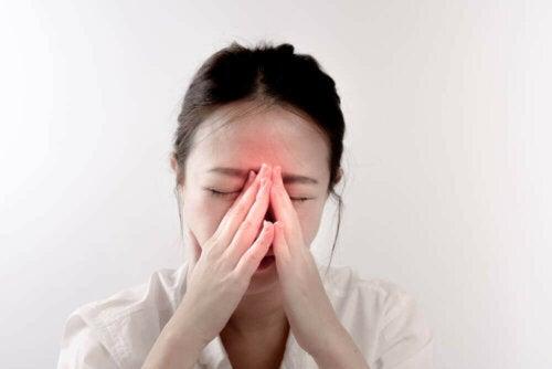 Hypertrophie der Nasenmuschel - Frau mit Beschwerden