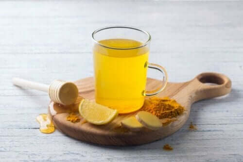 Kurkumatee - mit Honig
