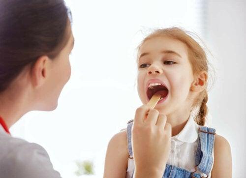 Kind mit Pfeiffer-Drüsenfieber