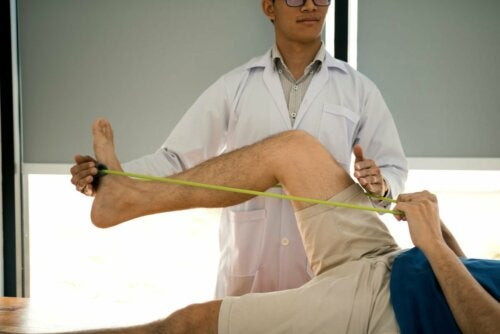 Übungen mit Elastikband