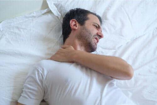 Schulter-Tendinitis: Tipps für einen besseren Schlaf