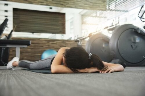 Plötzlicher Herztod - Frau im Fitnessstudio