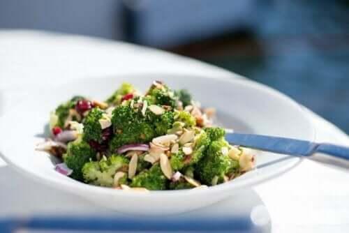 Obwohl Brokkoli zahlreiche Nährstoffe bietet, schmeckt er dennoch nicht jedermann