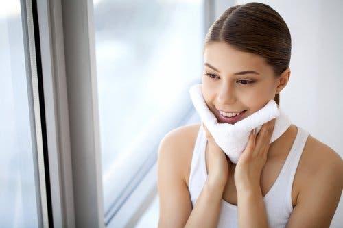 Vermeide Fehler bei der Hautpflege, um eine gesündere Haut zu garantieren