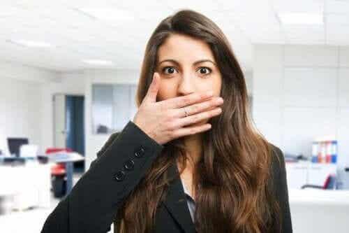 5 pflanzliche Hausmittel gegen Mundgeruch