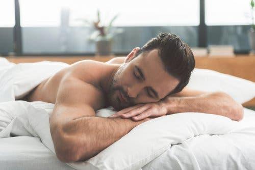 Fakten über Träume - schlafender Mann