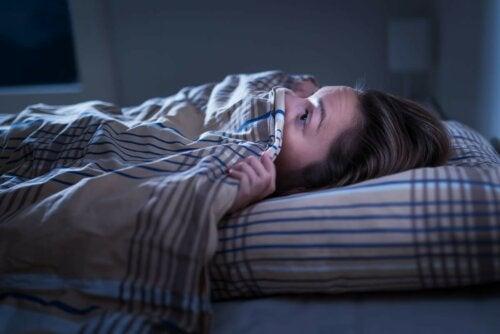 Albtraum Angstzustände beim Aufwachen