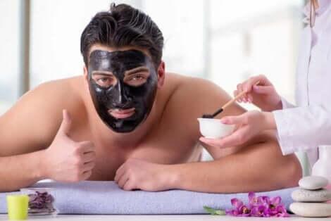 Gesichtsmasken wirken aufgrund der Zeit des Hautkontakts