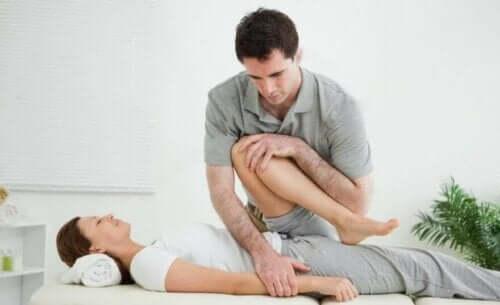 Behandlung der Adduktoren-Tendopathie durch Physiotherapie