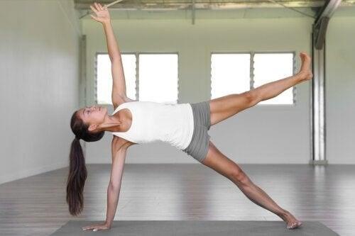 Pilates für Fortgeschrittene: die besten Übungen