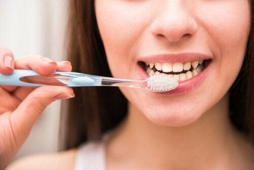 Mundhygiene bei Mundtrockenheit