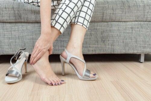 ungeeignetes Schuhwerk Frau