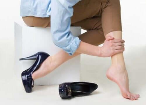 5 gesunde Gewohnheiten, um durch Krampfadern bedingte Beschwerden zu lindern