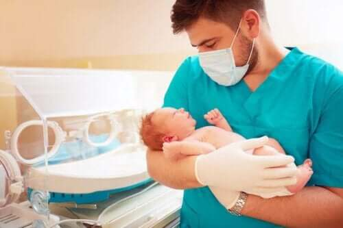 Wie lange sollten Frühgeborene im Krankenhaus bleiben?