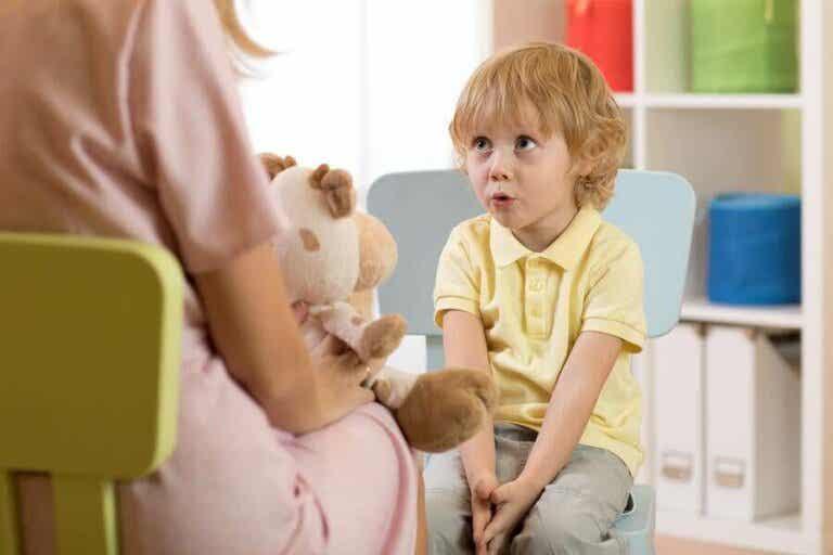 Sprachentwicklungsverzögerungen bei Kindern: Arten, Symptome und Ursachen