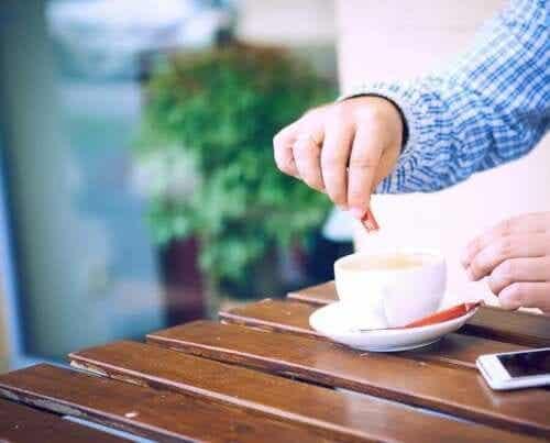 6 natürliche Süßungsmittel, mit denen du deinen Zuckerkonsum reduzieren kannst