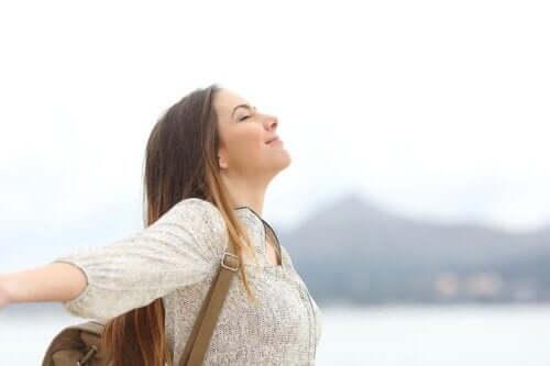 Lebergesundheit - entspannte Frau