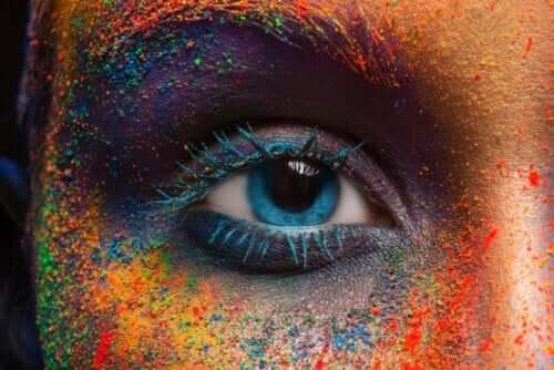 Wahrheiten und Mythen über sich verändernde Augenfarbe