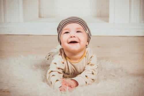Milchschorf bei Babys: 4 Dinge, die du wissen musst